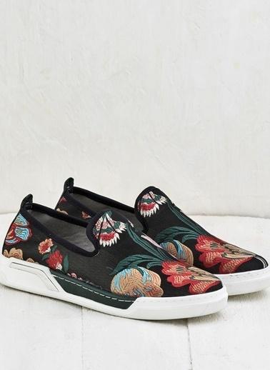 Elle Desenli Ayakkabı Haki